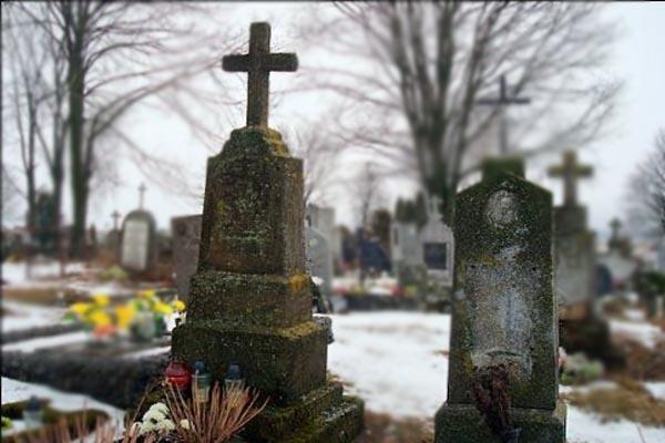 старые надгробия, услуги по реставрации памятников, памятники в Бобруйске